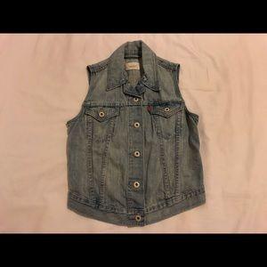 Levi's Light Wash Denim Vest Jacket